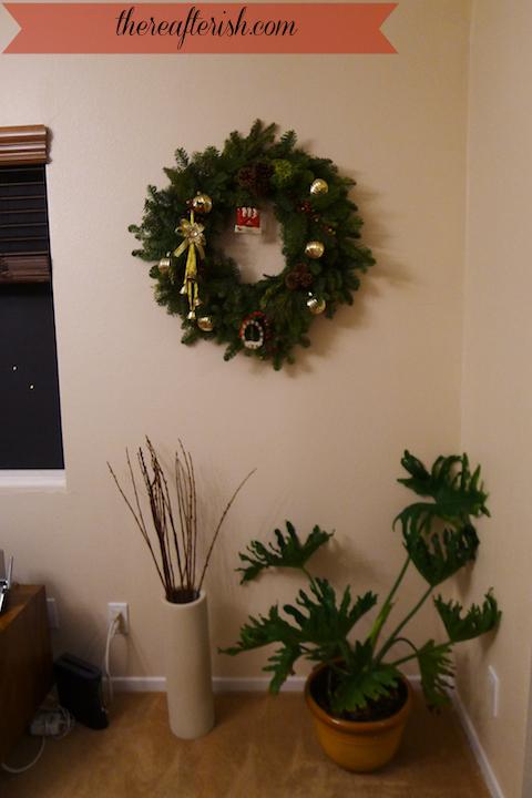 thereafterish, OOTD, hawaii living, christmas wreath hawaii
